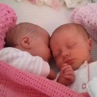 Meet Twins Gemma & Kate - UK